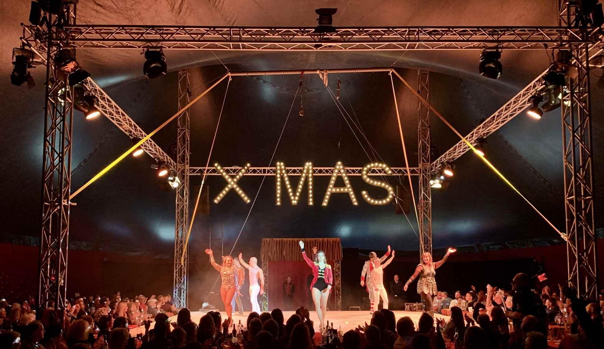 Zirkus Weihnachtsfeierzauber Hamburg Deutschlands größte Dinnershow